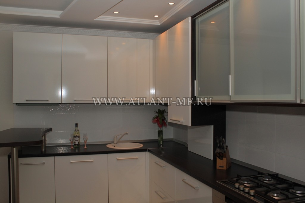 кухни в алюминиевой рамке фото