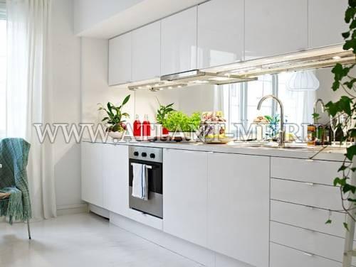 Фотография кухни с зеркалом 5